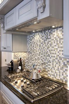Love the back splash...