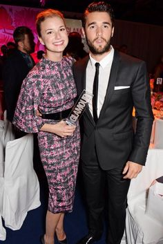Emily VanCamp & Taylor Schilling Are Beautiful Winners at Glamour Women of the Year Awards! Celebrity Couples, Celebrity Style, Revenge Tv, Josh Bowman, Emma Willis, Taylor Schilling, Emily Vancamp, Hollywood, Celebs
