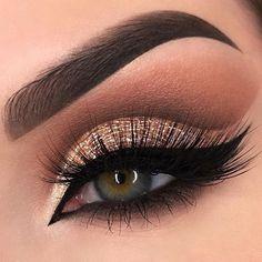 Eye Makeup Tips – How To Apply Eyeliner – Makeup Design Ideas Shimmer Eye Makeup, Rose Gold Makeup, Blue Eye Makeup, Makeup For Brown Eyes, Smokey Eye Makeup, Eyeshadow Makeup, Makeup Hazel Eyes, Golden Eye Makeup, Eyeshadow Ideas