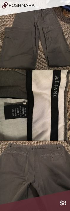 Men's dress pants Men's dress pants really nice color wasit size 34 inseam size 34 good condition Pants Dress