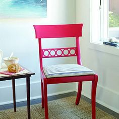 Create an accent chair out of a cheap Craigslist find! #DIY #craft