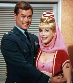 Bezaubernde Jeannie (im Original: I Dream of Jeannie) ist eine US-amerikanische Fernsehserie, die auf NBC vom 8. September 1965 bis zum 26. Mai 1970 mit neuen Folgen erstausgestrahlt wurde, bis zum 1. September 1970 mit diversen Wiederholungen.