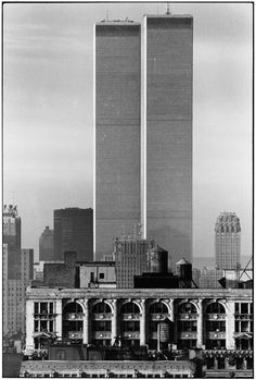 Elliott Erwitt, New York, Twin Towers, USA, 1979. © Elliott Erwitt / Magnum