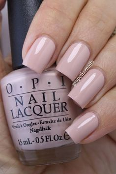 If you are a big fan of manicure, you can not miss the Essie brand. Opi Nails, Nude Nails, Acrylic Nails, Opi Shellac, Beige Nails, Nails 2017, Essie, Nail Polish Colors, Opi Nail Polish