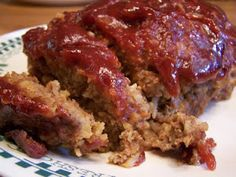 This is an easy classic brown sugar meatloaf recipe. If you have never had brown sugar in your meatloaf, you are in for a treat. Homemade Meatloaf, Good Meatloaf Recipe, Best Meatloaf, Cornflake Recipes, Healthy Meatloaf, Turkey Meatloaf, Meat Recipes, Cooking Recipes