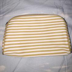 Gucci Makeup Bag Gucci Makeup Bag. Bags Cosmetic Bags & Cases