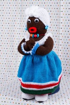 Muñeca Flora Doll. Beautiful handmade doll, knitted with our best quality yarns. Just 65€ on our online store!