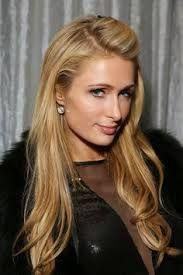 Ein soeben entdecktes Foto von First Lady Paris Hilton.