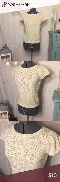 Cute GAP cream colored top EUC 100% cotton. It's light weight and easy to wear with anything. Looks great with a pair of jeans, leggings, a skirt or office wear GAP Tops Blouses
