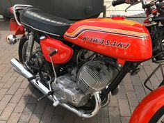 Bonhams Fine Art Auctioneers & Valuers: auctioneers of art, pictures, collectables and motor cars Motorcycle Engine, Cafe Racer Motorcycle, Kawasaki Bikes, Japanese Motorcycle, Classic Bikes, Vintage Japanese, Motor Car, Motorcycles, Engineering