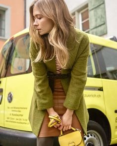 #streetstyle #fotoshooting Stylin Street Style, Sweaters, Dresses, Fashion, Photoshoot, Gowns, Moda, Urban Style, La Mode