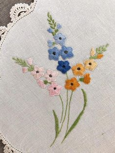 Vintage Embroidered Table Linen, floral embroidery on oval linen, crochet lace trim, vintage tray cl Hand Embroidery Videos, Embroidery Flowers Pattern, Silk Ribbon Embroidery, Embroidery Hoop Art, Hand Embroidery Designs, Floral Embroidery, Embroidery Stitches, Doily Patterns, Dress Patterns