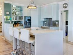 Gorgeous kitchens at our serviced self catering holiday homes in Cape Town!
