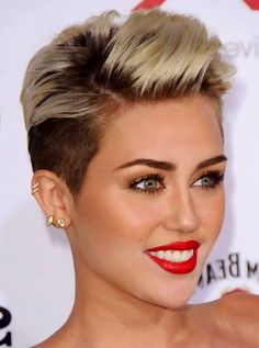 Miley Cyrus.....loving her makeup :) Never thought i'd say this but I actually wish I could pull off a haircut like Miley's