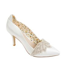 Angelica vintage style bridal court with stunning Art Deco inspired diamante and bead detailling. In elegant ivory satin with a point toe and on a mid heel.