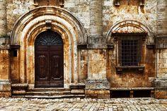 Vecchie porta e finestra - Montepulciano, Tuscany, Italy | by Boccalupo