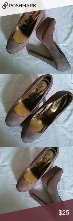 Charlotte Russe Heels Size 6.5 M 5in. Heels..Preowned Charlotte Russe Shoes Heels