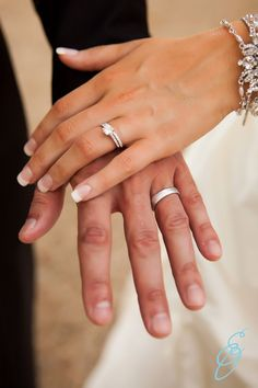 wedding photo ideas, wedding rings, southern wedding, bride and groom poses, Erin Oswalt Photography