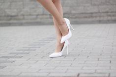moda-eny.blogspot.com: MINI SPÓDNICA Z OZDOBNYM KWIATOWYM HAFTEM - ZAFUL #fetishpantyhose #pantyhosefetish #legs #heels #blogger #stiletto #pantyhose #collant #tan