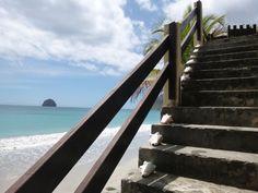 Le Diamant: Escalier menant à la plage