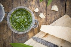 This Basil Spinach Sun-dried Tomato Pesto is completely easy and it can be used in so many ways. Try it in this Sweet Corn Soup! Spinach Pesto Pasta, Basil Pesto Sauce, Tomato Pesto, Herb Pesto Recipe, Freezing Pesto, Pesto Dishes, Real Food Recipes, Vegetarian Recipes, Jars