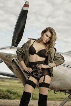HIGH FLYER - Navitimer 01 - Breitling - Penthouse