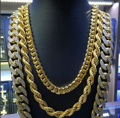 From simple, classic styles to diamond encrusted designs, men's gold chains are the ultimate piece of men's jewelry. Admired by the world's hottest celebrities and hip hop artists. Gold Jewelry, Jewelery, Women Jewelry, Fine Jewelry, Gold Chain Design, Gold Diamond Earrings, Gold Ring, Diamond Jewelry, Gold Necklace