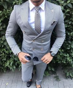men's fashion suits for business wardrob mens style tips and fashion inspiration Blazer Outfits Men, Mode Costume, Mens Fashion Suits, Men's Fashion, Fashion Guide, Fashion Advice, Mens Suits, Fashion Clothes, Designer Suits For Men