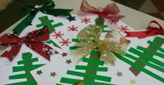 Lindo modelo de árvore , uma ótima ideia para capa de trabalhos, portfólio que poderão ser feitas pelos próprios alunos com recorte e c... Tree Skirts, Art For Kids, Christmas Tree, Holiday Decor, School, Home Decor, Good Ideas, Diy Creative Ideas, Christmas Tree Template