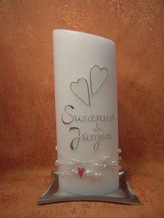 Für die besonderen Momente im Leben: Taufe, Kommunion, Hochzeit, Geburtstag oder Jubiläum!  Das Licht und die Symbolkraft edler Kerzen vermitteln, dass es um etwas Besonderes geht: -um einen...