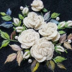 Embroidery Joining Stitches during Embroidery Thread Lubricant. Hand Embroidery Rose Patterns by Free Tutorial On Brazilian Embroidery Patterns by Embroidery Machine Guide Brazilian Embroidery Stitches, Hand Embroidery Stitches, Hand Embroidery Designs, Embroidery Techniques, Cross Stitch Embroidery, Hardanger Embroidery, Rose Embroidery, Learn Embroidery, Embroidery Patterns