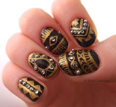 Black & Gold manicure by 10 Blank Canvases.  Luv it!!