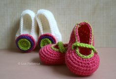 Wonderful Baby Crochet Patter - these baby booties will make a great new baby gift and the crochet pattern is free! One pattern two designs.