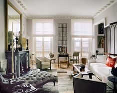 For Jacques Grange, home is an art-filled Paris apartment that once belonged to the legendary writer Colette Paris Bedroom, Paris Living Rooms, City Living, Living Area, Paris Chic, Palais Royal, Paris Apartments, Step Inside, Staircase Design