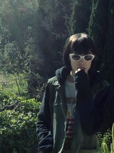 Alice Glass is perfection Dont Trust People, Alice, Crystal Castle, Witch House, Emo Scene, Badass Women, I Love Girls, Post Punk, Alternative Girls