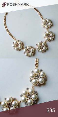 Beautiful pearl flower necklace This necklace is perfect for any holiday outfit or gift for that special someone. 18K gold plated Natalia and glass crystals. No lead, no nickel. Jewelry Necklaces