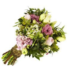natural pretty wedding bouquet