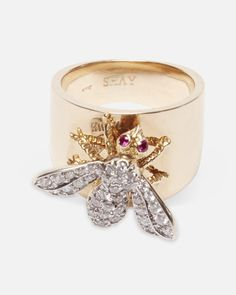Diamond bee ring