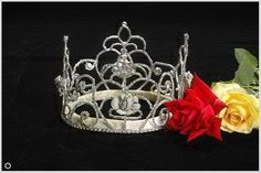 Rose Queen Pasadena 1987-1992- Crown@USA Rose Queen, Royal Court, Tiaras And Crowns, Pageant, Fancy Dress, Costumes, Bridal, Queens, Fun
