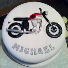 Triumph Motorbike Cake @Julianna Chakmakian we need to do this!