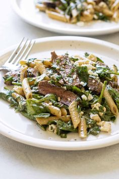 This steak pasta with spinach is an easy dinner recipe that can be served warm, at room temperature or cold. Tender steak tossed with a no-cook mustard balsamic sauce is a delicious dinner full of flavor. Easy Pasta Recipes, Easy Dinner Recipes, Beef Recipes, Healthy Recipes, Healthy Foods, Dinner Ideas, Steak Pasta, Pepper Sauce For Steak, Tender Steak