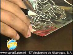 En este vídeo Víctor Aguilar, les enseña a elaborar una tarjeta para años con una aplicación en Metal repujado.