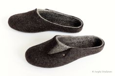 Unisex slippers - Click and save 5 percent now with coupon code PINTEREST5 by PimPomShop on Etsy Black Slippers, Felt Shoes, Felted Slippers, Sheep Wool, Gifts For Him, Coupon, Footwear, Trending Outfits, Unisex