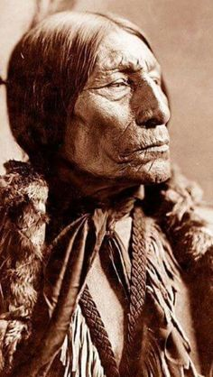 Native American Tribes The significance in World History of the Conquest Of Native American Nations on Carribean Islands, North and South America in the Documentary 500 Nations Native American Actors, Native American Pictures, Native American Wisdom, Native American Beauty, American Indian Art, Native American History, American Indians, American Symbols, American Women