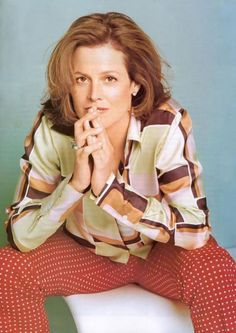 I love Sigourney Weaver even when the clothes are clashing, she just looks cool.