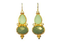 Etruscan long earrings, chalcedony jade and pearl, goldplated €175,00