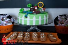 Plants Vs. Zombie Cake www.diypartytips.net