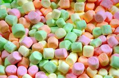 Several brands and flavors of marshmallows are top 8 allergen free.  Some may be made with fish gelatin though, so remember to always double check the label!