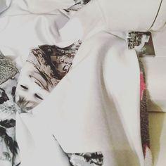 |sew| Ich nähe meine Kinder... #jarichtiggelesen #morgenimblog #handmade #nähen #nähenistliebe #nähenisttoll #nähenfürkinder #nähenenistwiezaubernkönnen #stoffsucht #sew #sewing @stoffschmiede