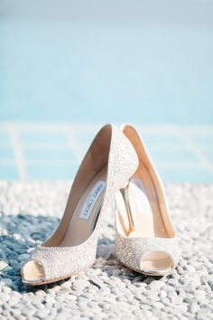 Gold shoes: http://www.stylemepretty.com/little-black-book-blog/2015/04/23/romantic-thailand-destination-wedding/ | Photography: Sandra Aberg - http://www.sandraaberg.com/